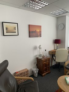 London Therapy Rooms in Liverpool Street. . London Therapy Room (1)